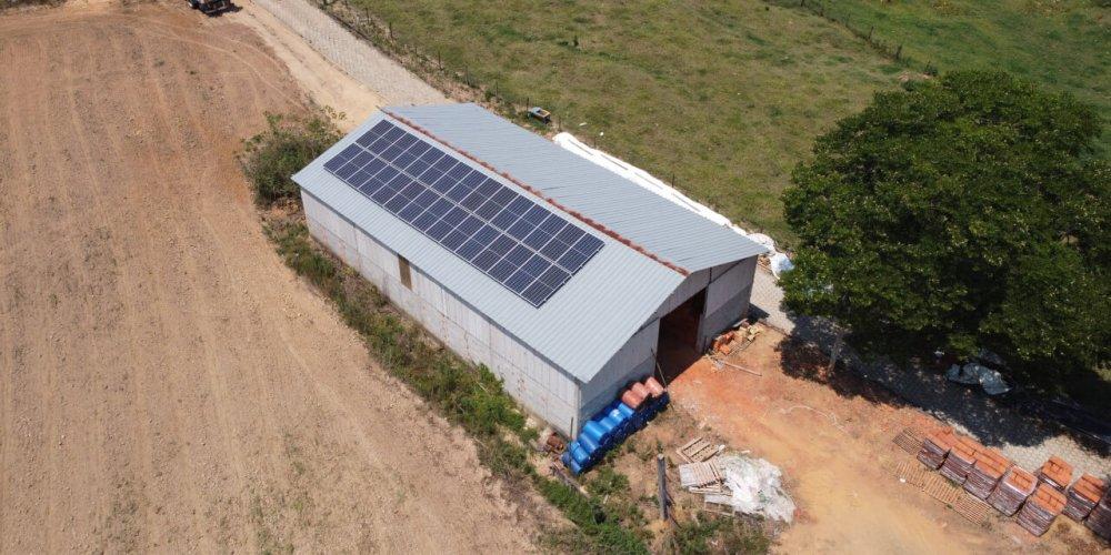 galpao-energia-solar-rural